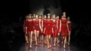Fashion показ Школы Дизайна АртФутуре на неделе дизайна BFGU FW Токио Япония